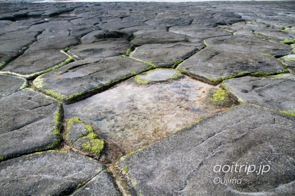 奥武島の畳石