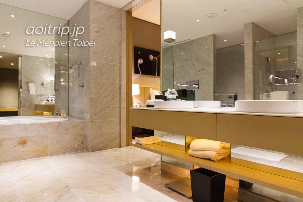 ルメリディアン台北のジュニアスイート バスルーム