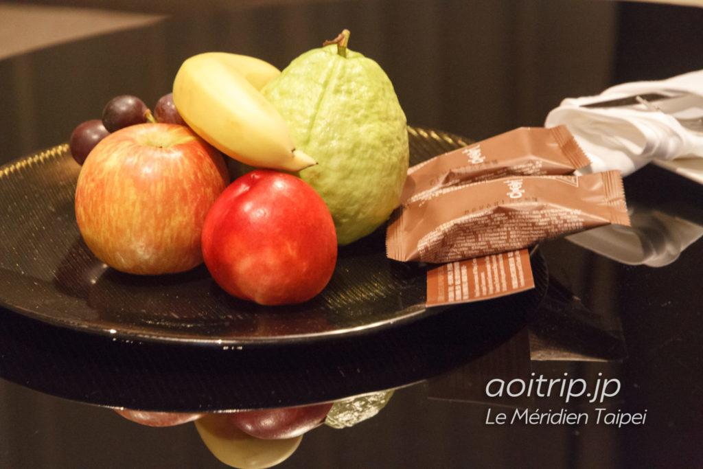 ルメリディアン台北 ウェルカムフルーツ、チョコレート