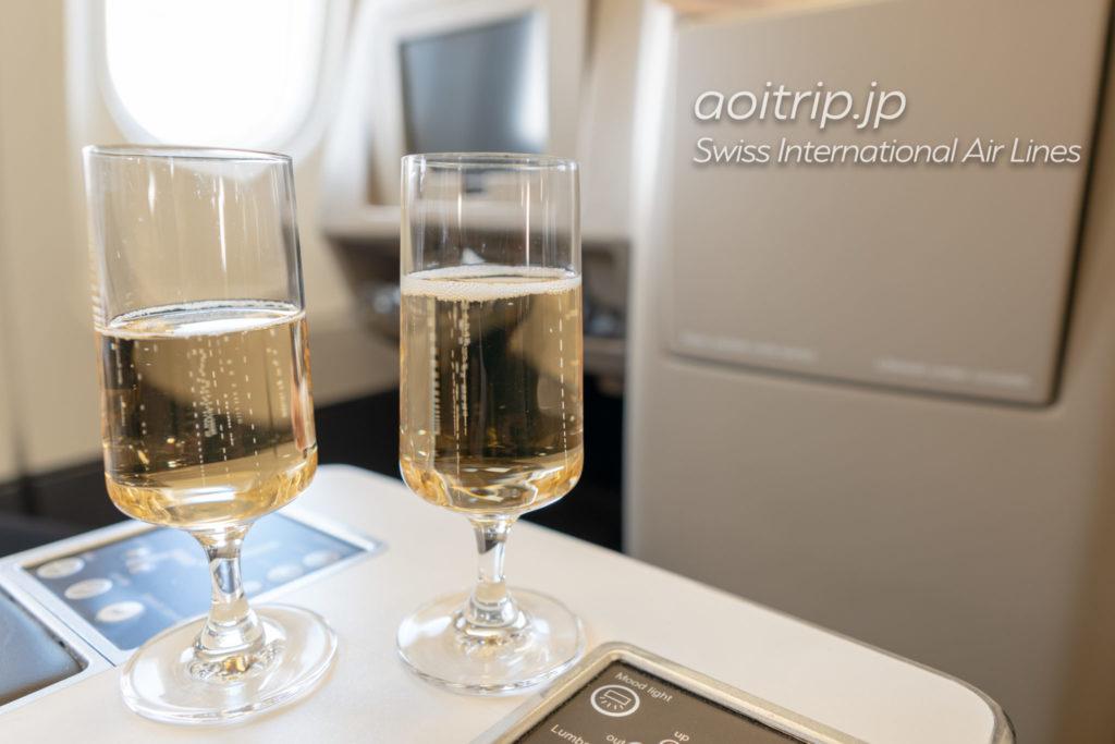 スイス航空LX161便ビジネスクラスのシャンパン