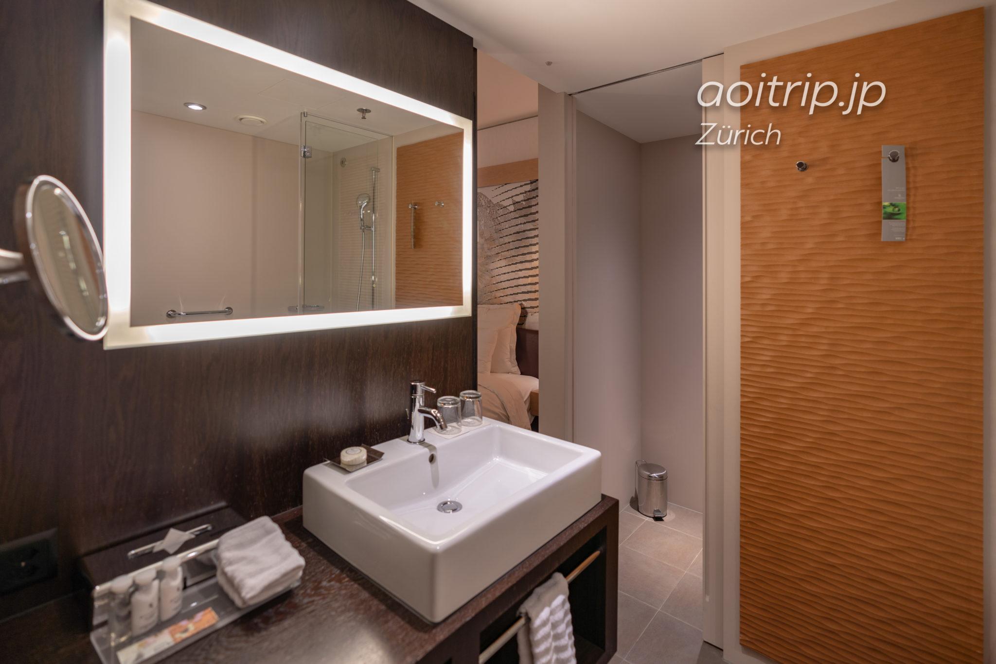 ルネッサンス チューリッヒ タワーホテルの洗面台