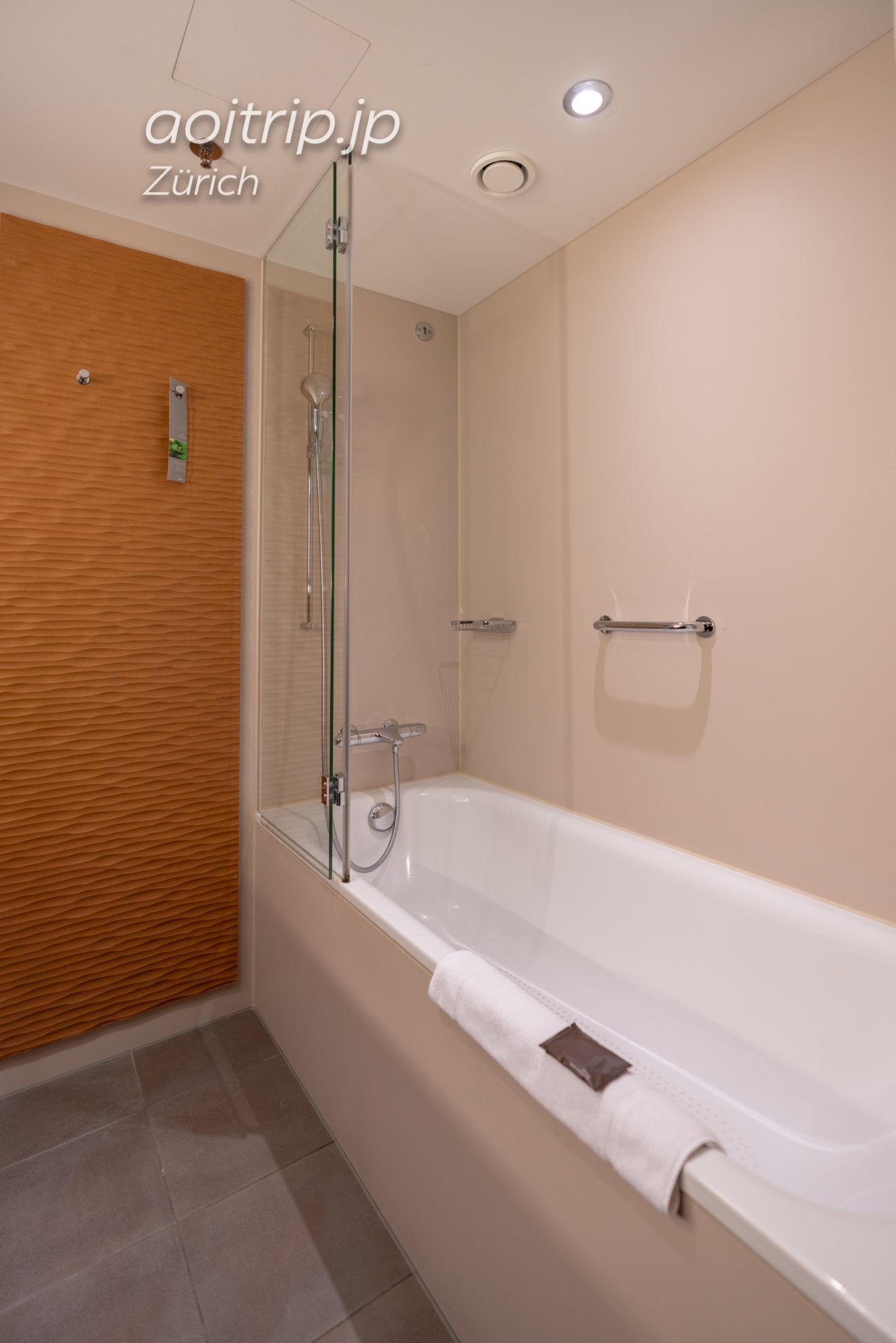 ルネッサンス チューリッヒ タワーホテルのバスルーム