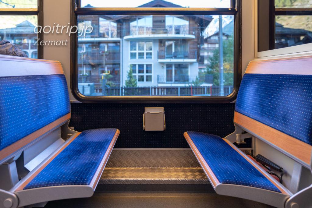 ゴルナーグラート鉄道の座席