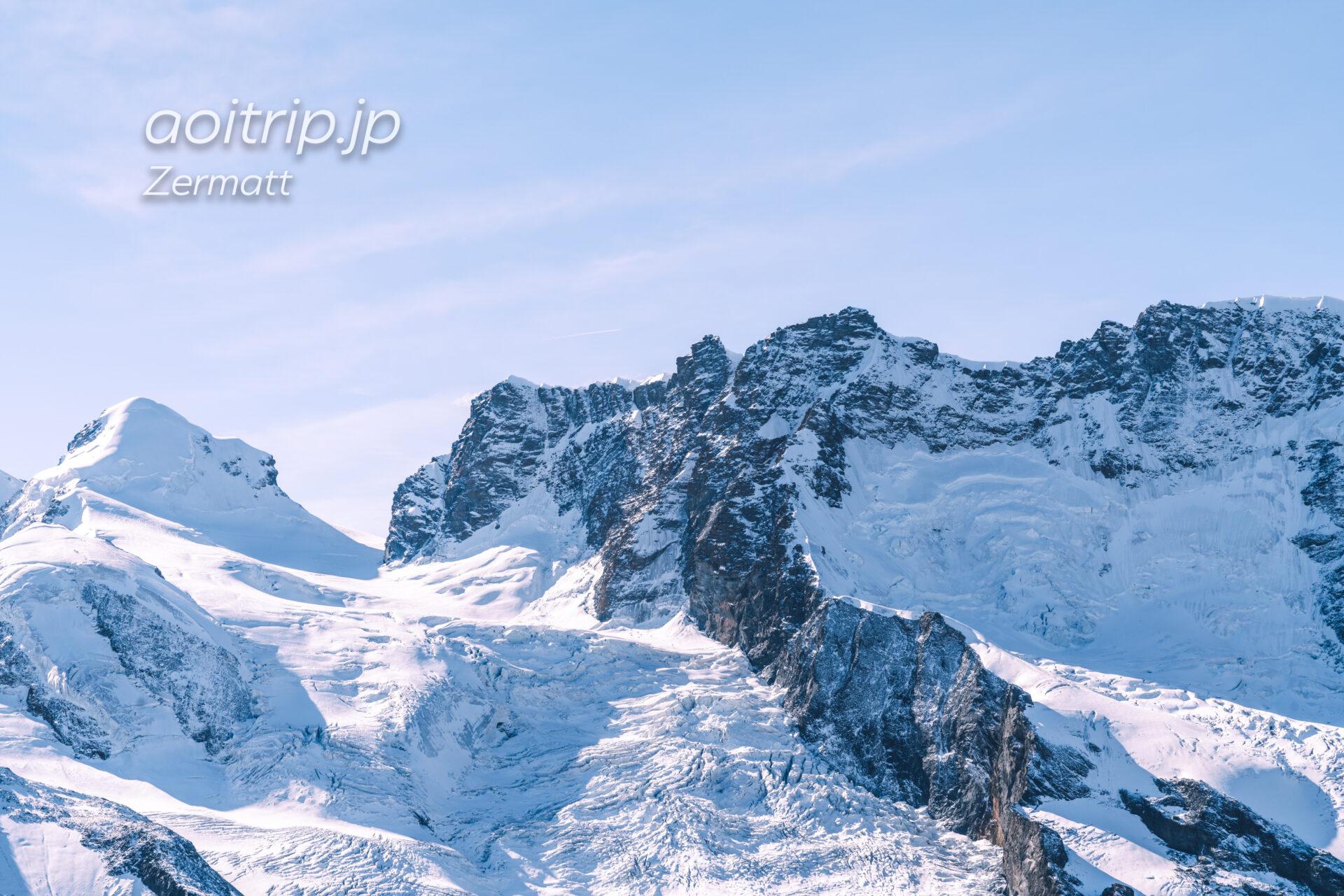 標高4,075mのロッチャ ネーラ(Roccia Nera)、4,139mのブライトホルンツヴィリンゲ(Breithornzwillinge)