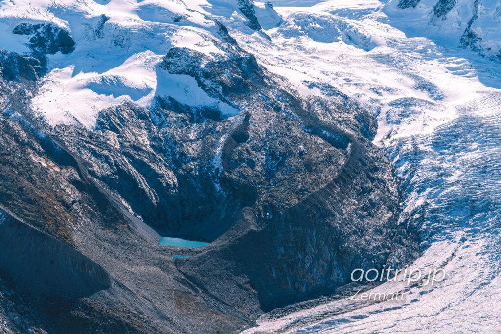 ゴルナーグラート展望台からモンテローザヒュッテを望む