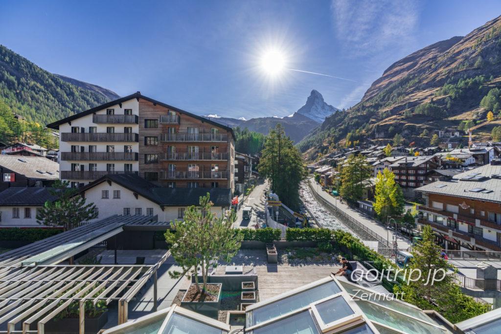 ホテル クロンヌ スペリオール ツェルマット バルコニーからのマッターホルンビュー