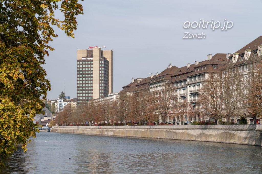 チューリッヒマリオットホテルとリマト川