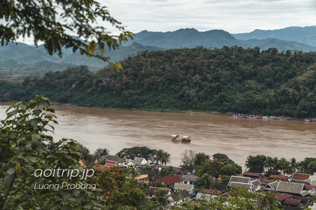 ルアンパバーン プーシーの丘から望むメコン川