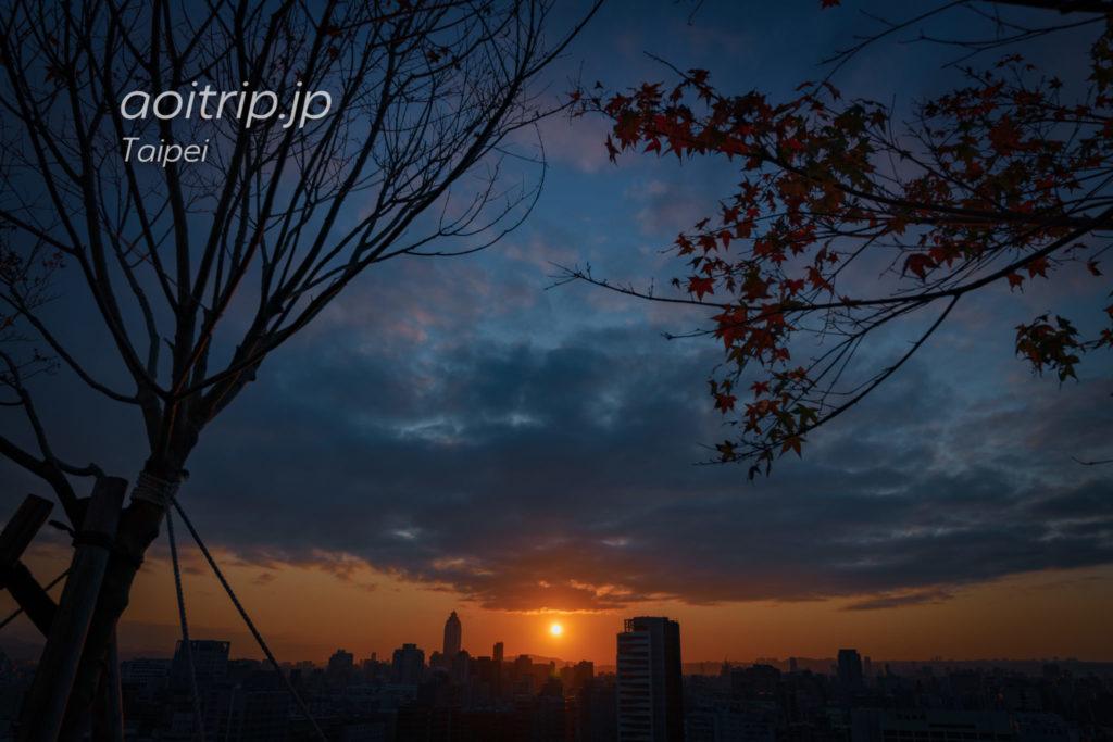 台北の夕日(ND16フィルターを使って撮影)