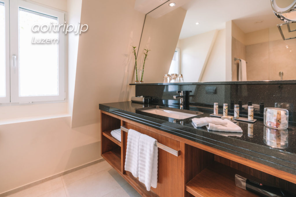 ルネッサンスルツェルンホテル ジュニアスイートのバスルーム