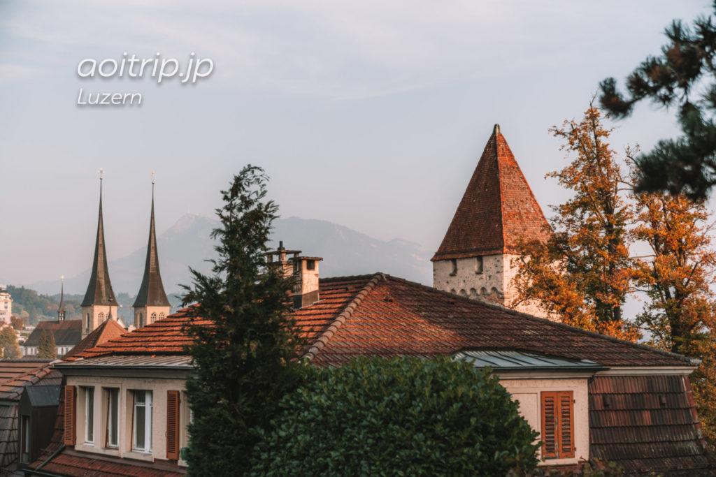 ルツェルンのムーゼック城壁 Dächliturmとホーフ教会