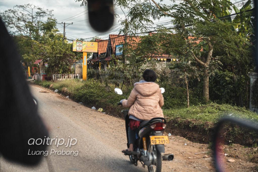 トゥクトゥクから撮影したルアンパバーンの風景