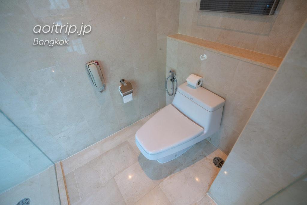 ルネッサンス バンコク ラッチャプラソーン ホテルのトイレ