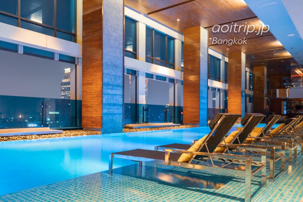 ルネッサンス バンコク ラッチャプラソーン ホテルのプール