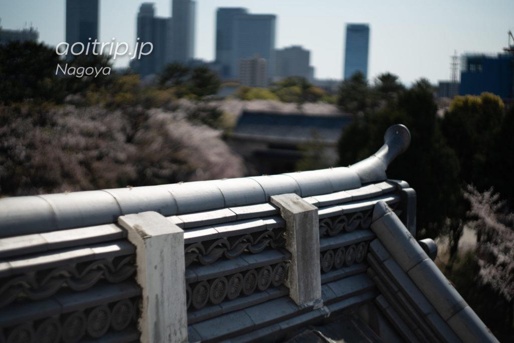 名古屋城の西南角櫓 菊花紋章の鬼瓦