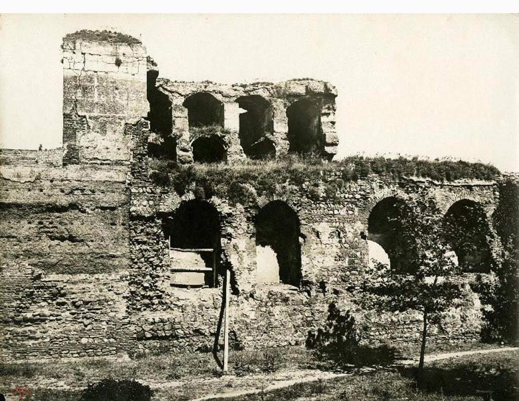 アルハンブラ宮殿 修復工事前のアルカサバ