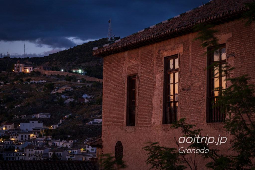 グラナダのアルハンブラ宮殿から望むマジックアワー