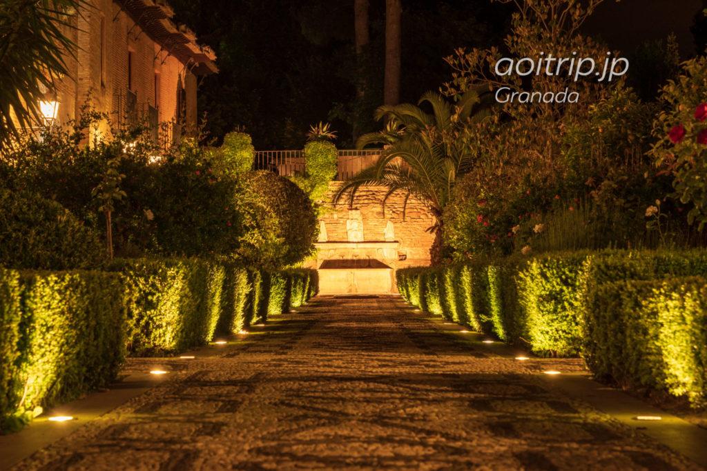 パラドールデグラナダの庭園