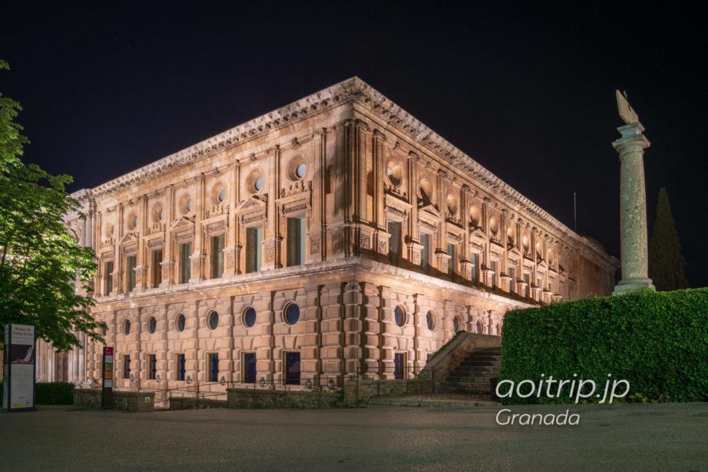夜のアルハンブラ宮殿 カルロス5世宮殿