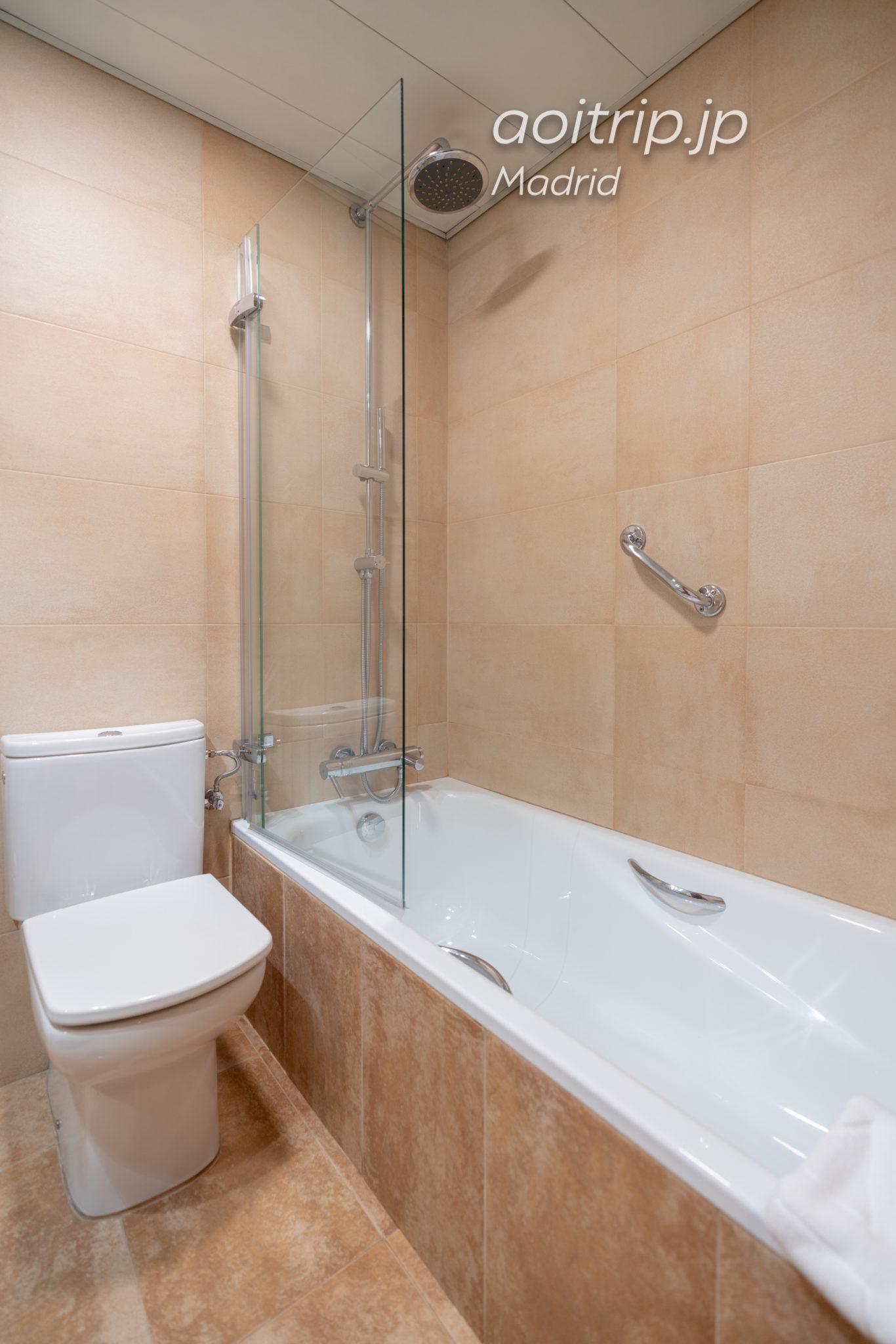 ACホテルカールトンマドリードのバスルーム