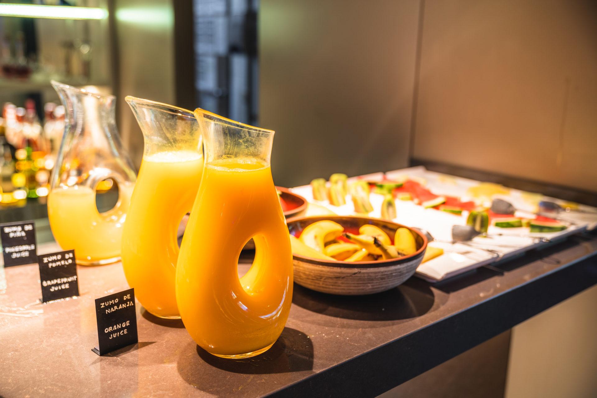 ACホテル シウダッド デ セビージャの朝食