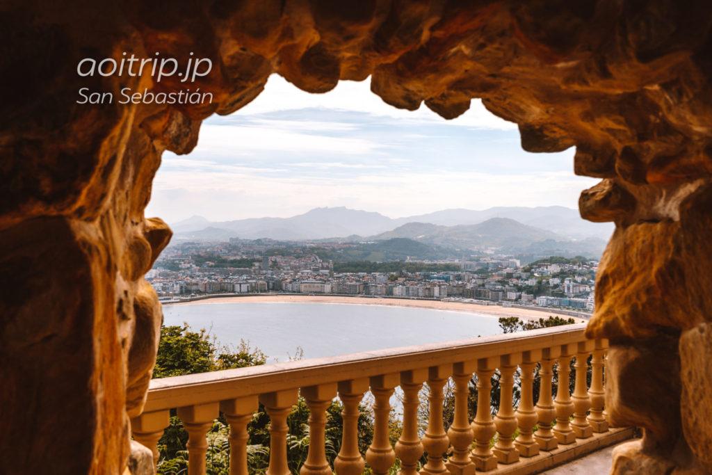 モンテイゲルドから望むサンセバスティアン旧市街・ラコンチャビーチの眺望