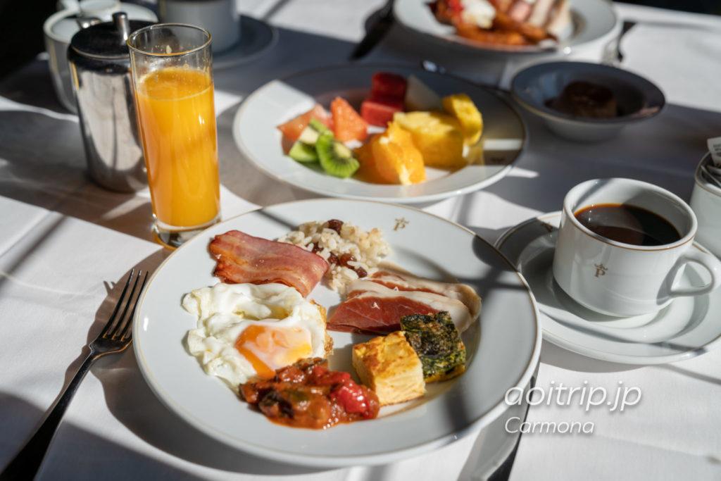 パラドールデカルモナの朝食