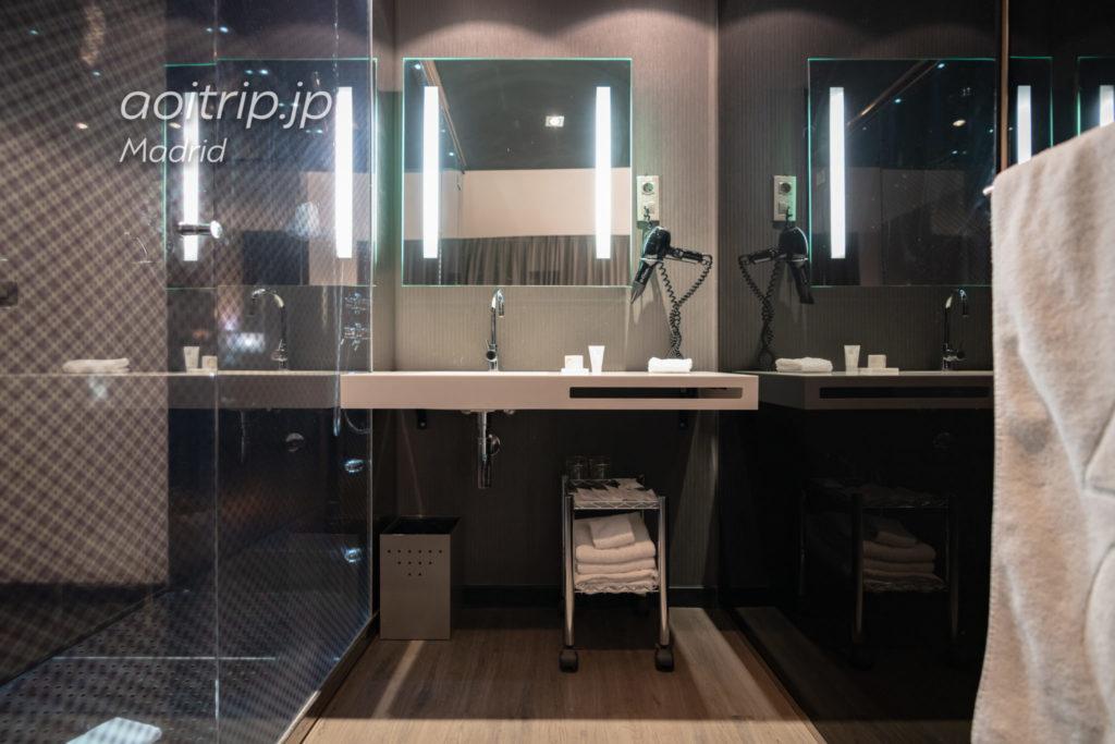 ACホテルマドリッドアトーチャの洗面台
