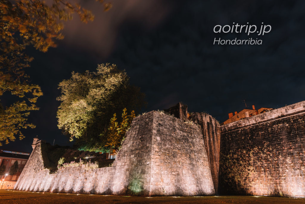 オンダリビアの夜景 城壁
