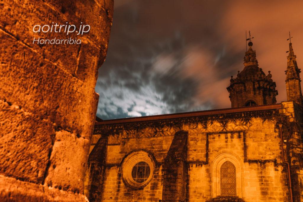 オンダリビアの夜景 Iglesia de Nuestra Señora del Manzano