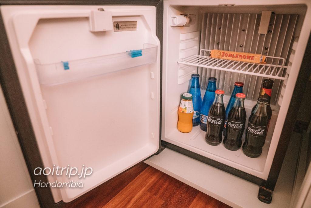 パラドールデオンダリビアのミニバー(冷蔵庫)