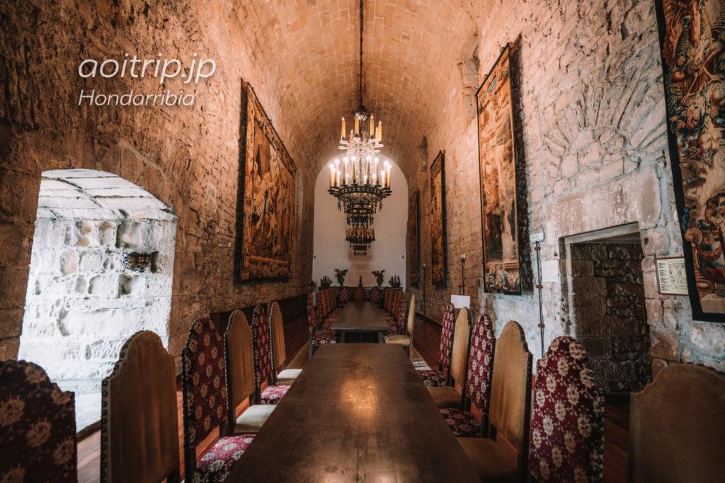 パラドールデオンダリビア ルーベンスのタペストリーが展示されたホール