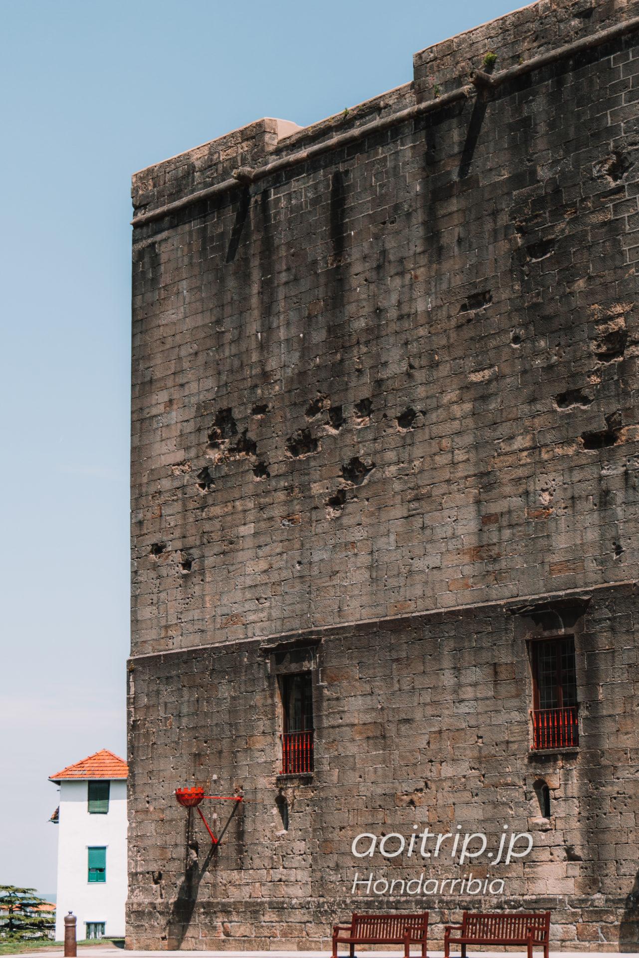 パラドールデオンダリビアのホテル外観