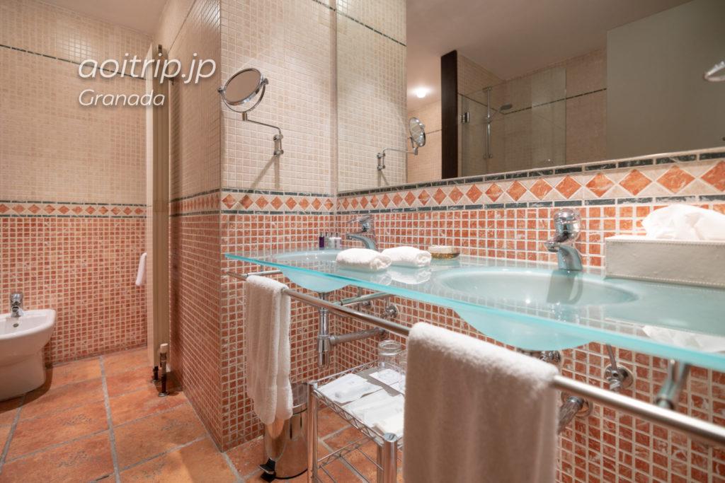 ホテル パラシオ デ サンタ パウラ グラナダのバスルーム