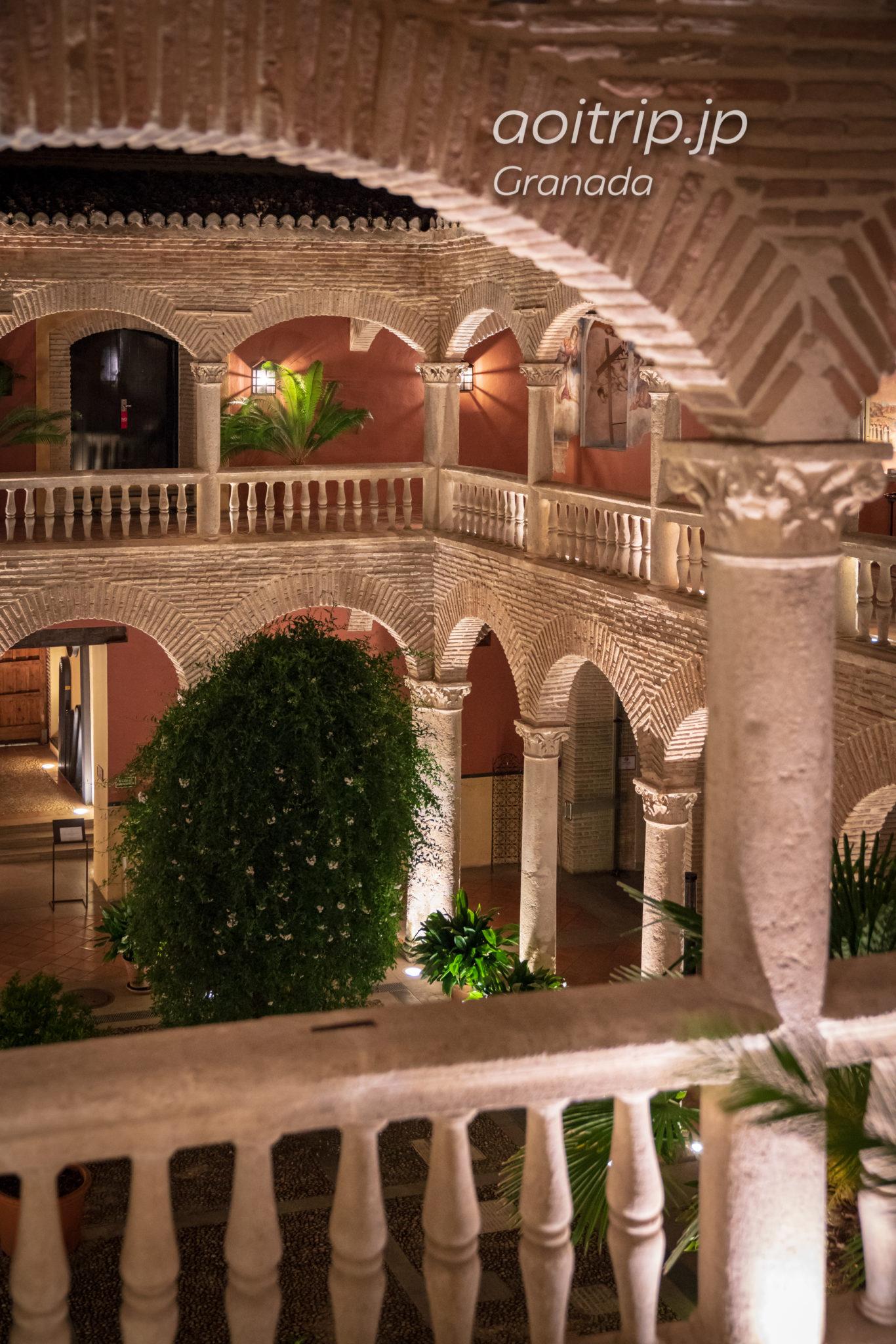 ホテル パラシオ デ サンタ パウラ グラナダ 旧修道院のパティオ