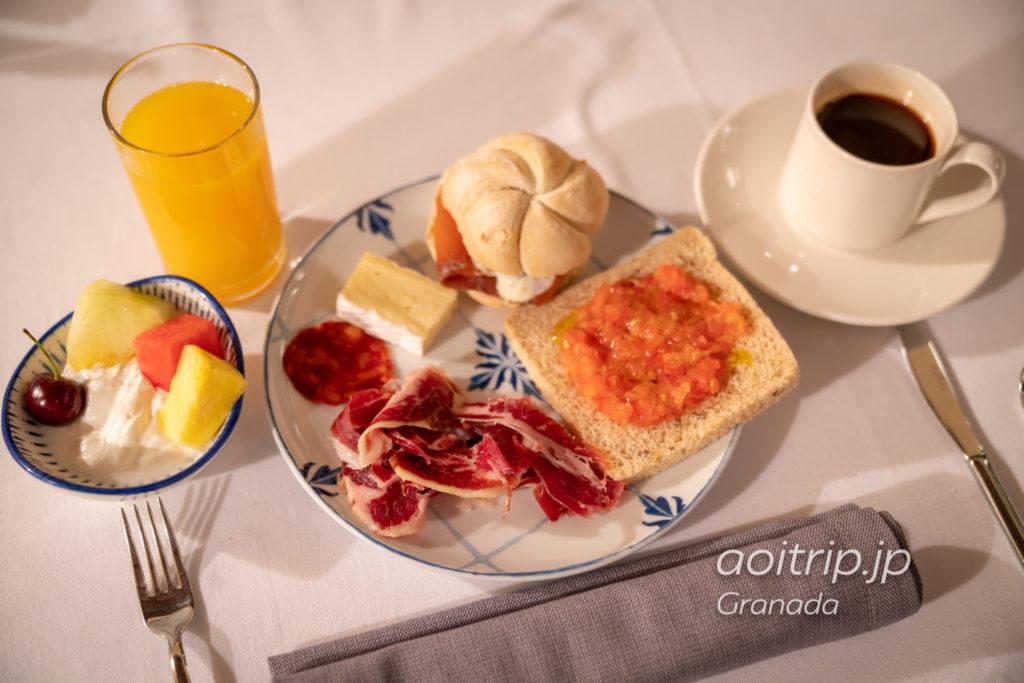ホテル パラシオ デ サンタ パウラ グラナダの朝食