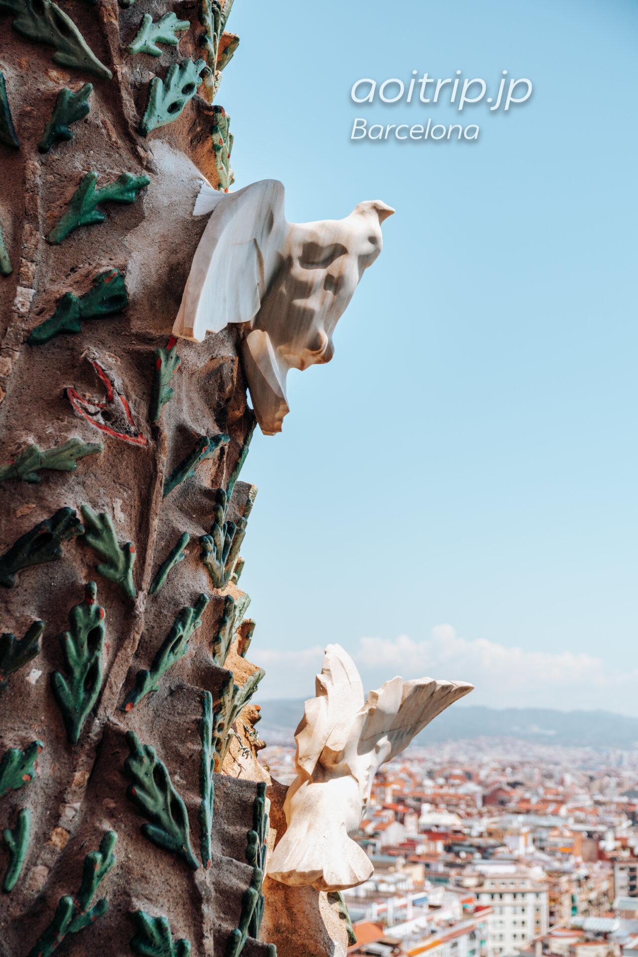 生誕のファサード 鐘楼から望む生命の木