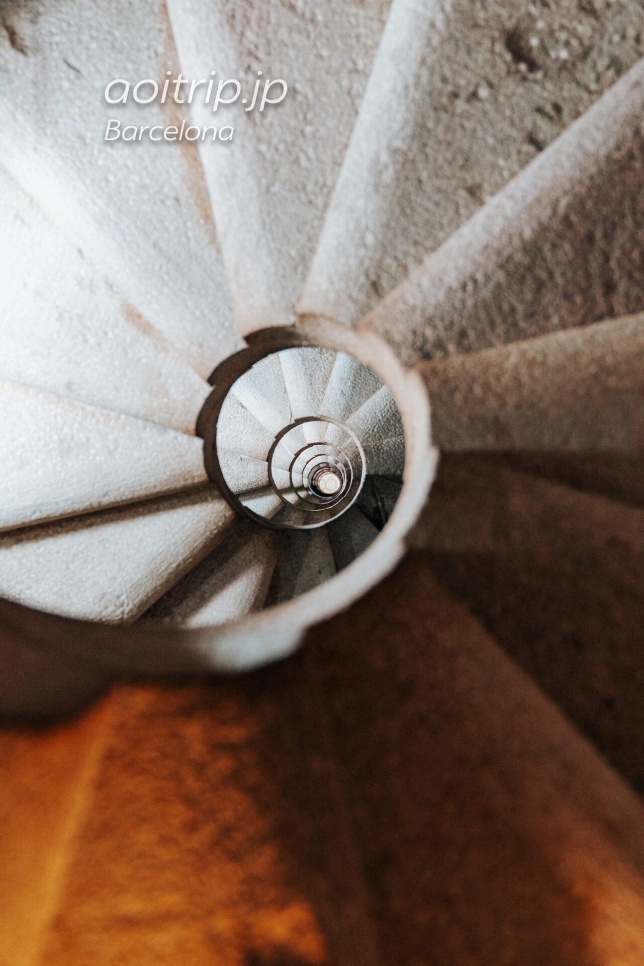サグラダファミリア 生誕の門の螺旋階段