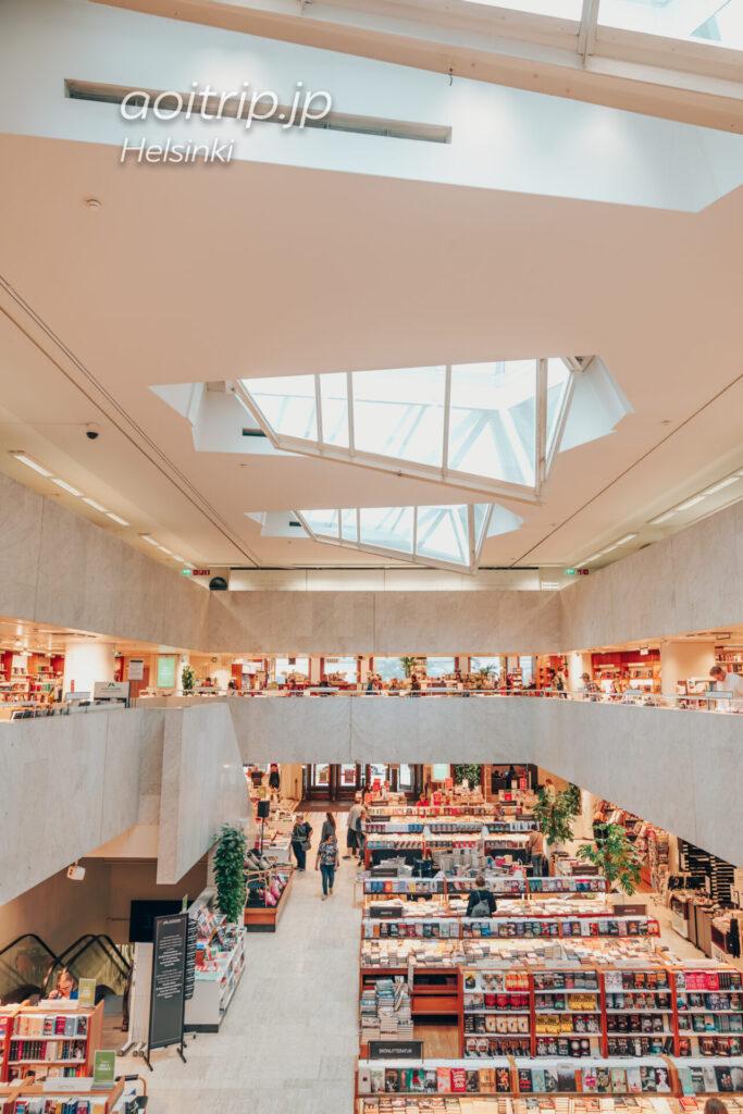 ヘルシンキのアカデミア書店 建物の吹き抜け