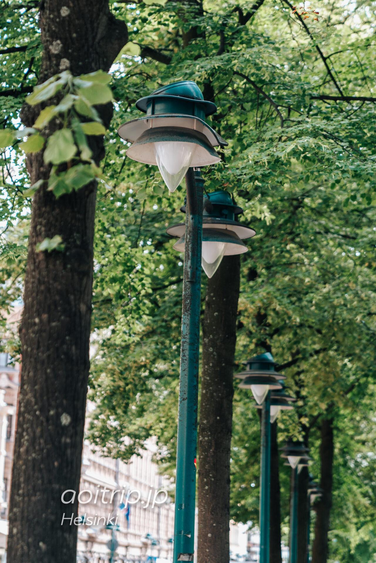 ヘルシンキの通りポホヨイ エスプラナーディ(Pohjoisesplanadi)の照明
