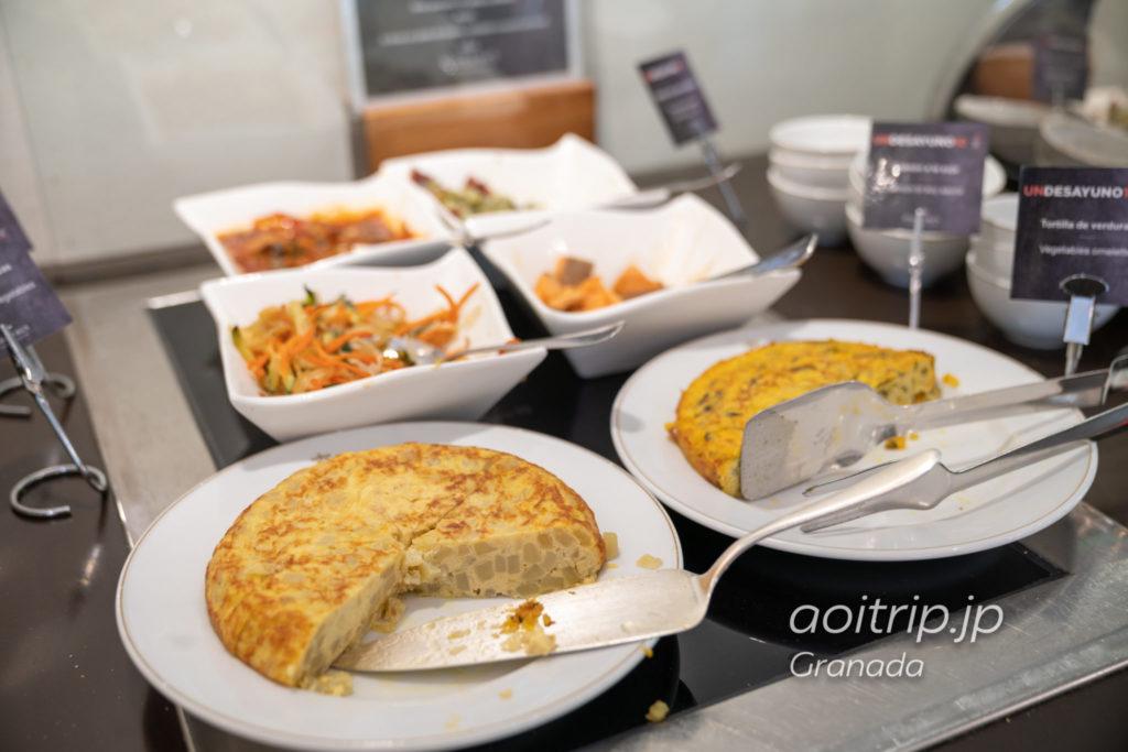パラドール デ グラナダの朝食ビュッフェ