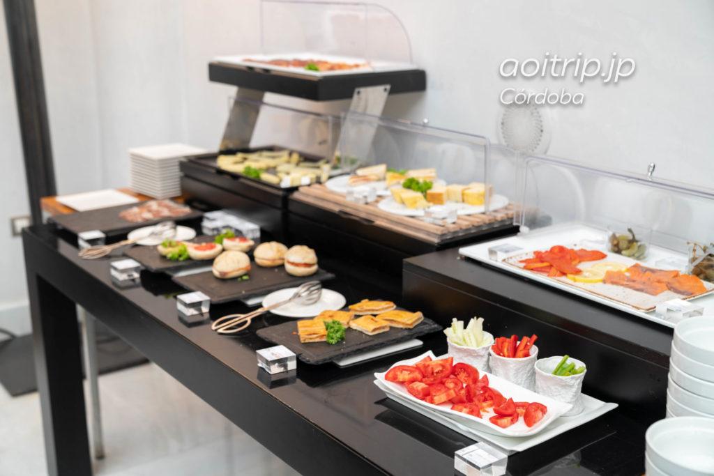 ホスペス パラシオ デル バイリオ コルドバのレストラン