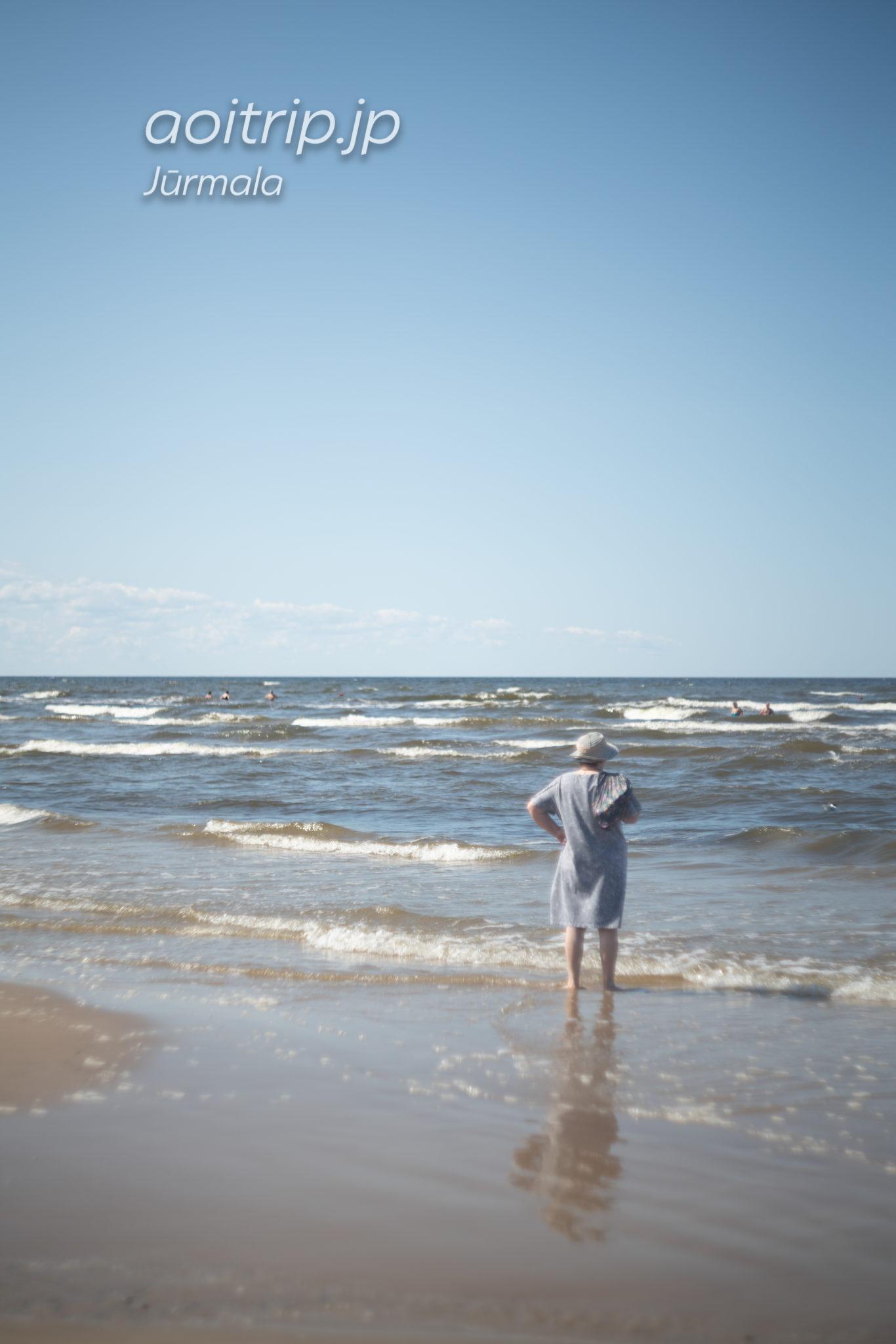 ユールマラのビーチ