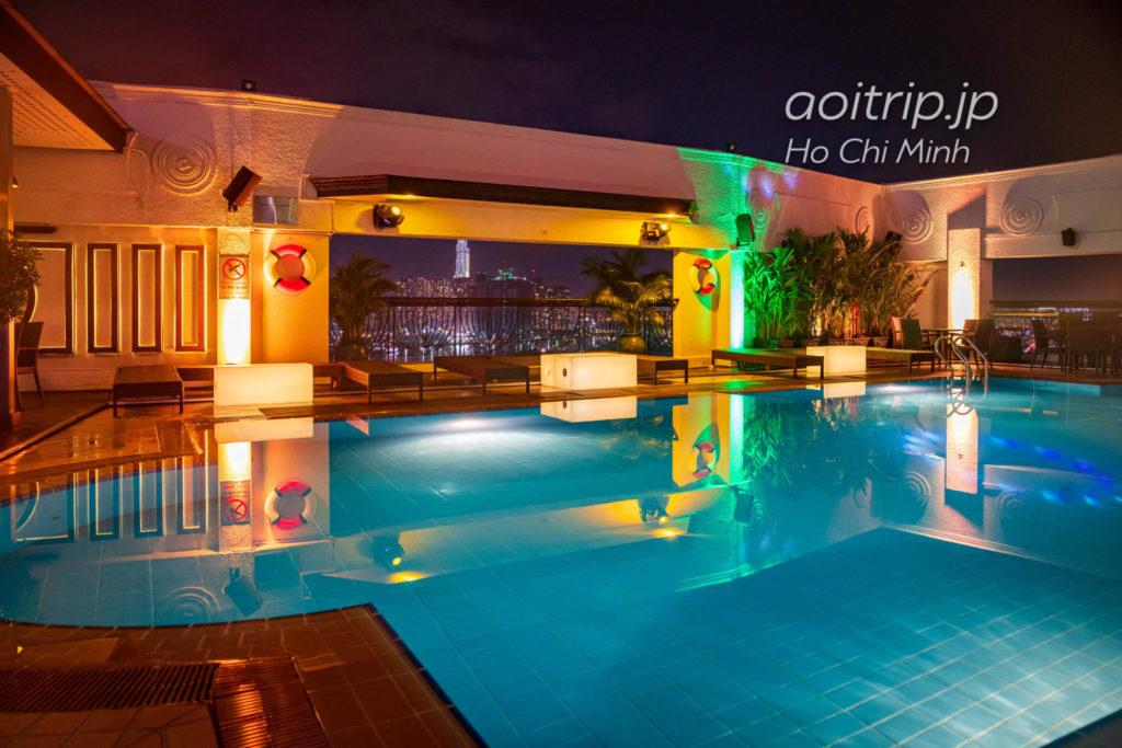 ルネッサンス リバーサイド ホテル サイゴンのプール