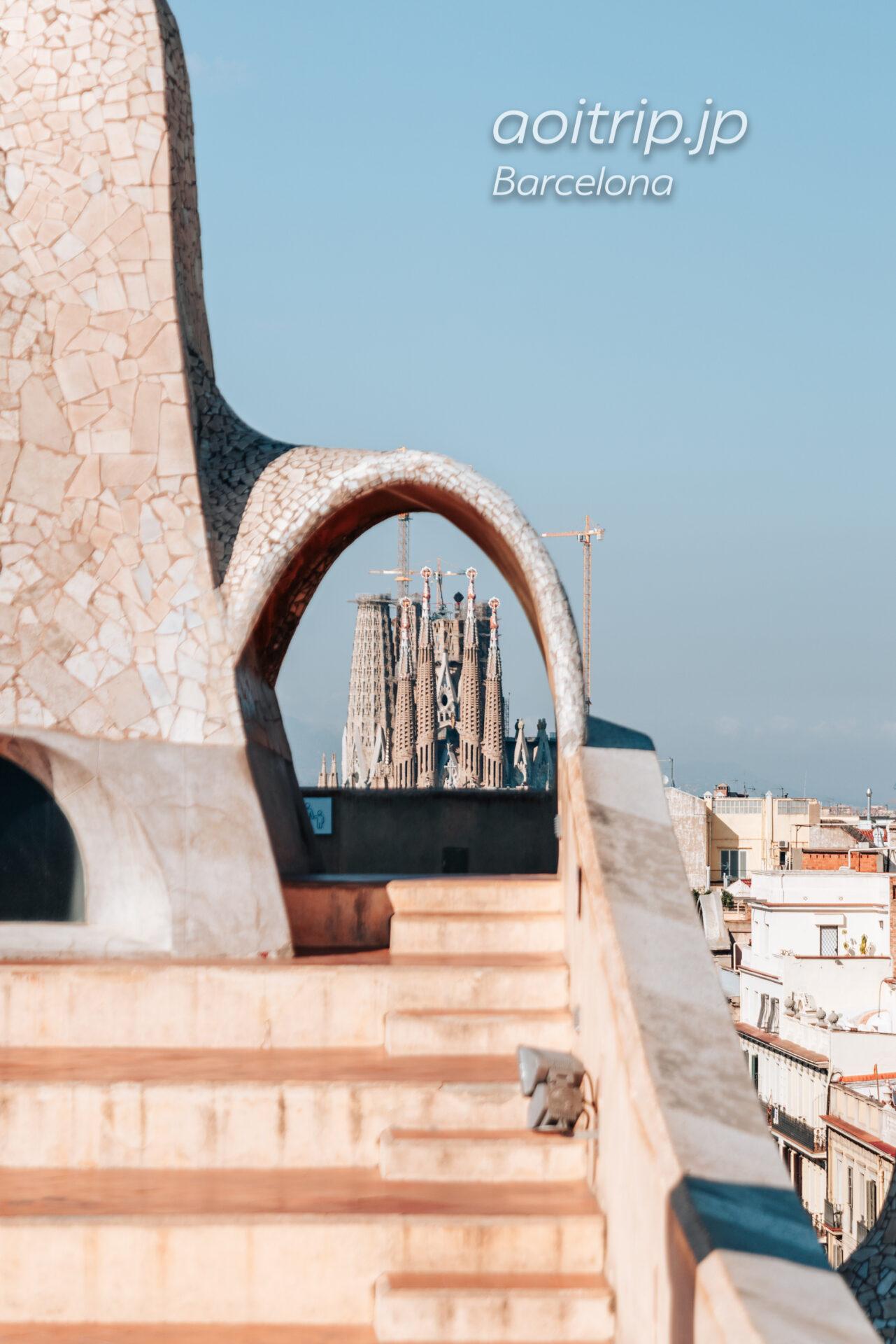 カサミラの屋上Roof Terraceから望むサグラダファミリア