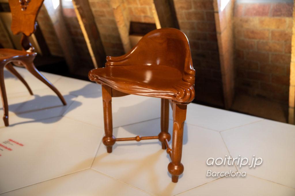 カルベットコーナーテーブル CALVET CORNER TABOURET