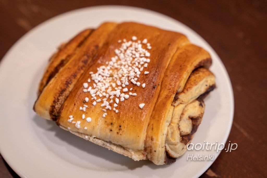 ヘルシンキ Café Esplanadのシナモンロール(Korvapuusti €4.00)