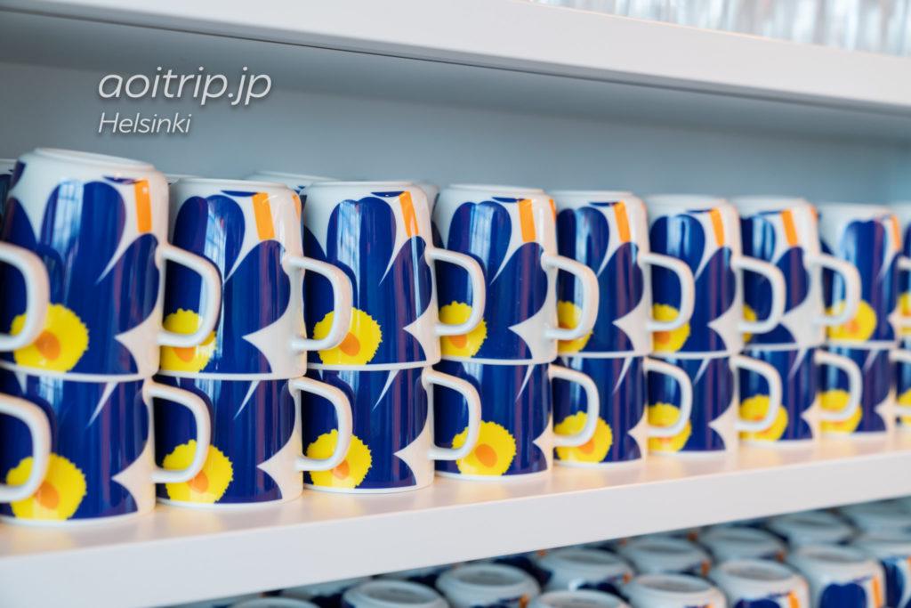 ヘルシンキヴァンター国際空港「シェンゲン協定加盟国エリア」にあるフィンエアーラウンジ マリメッコのカップ