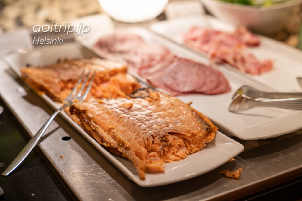 ホテルクラウスKの朝食ビュッフェ サーモン
