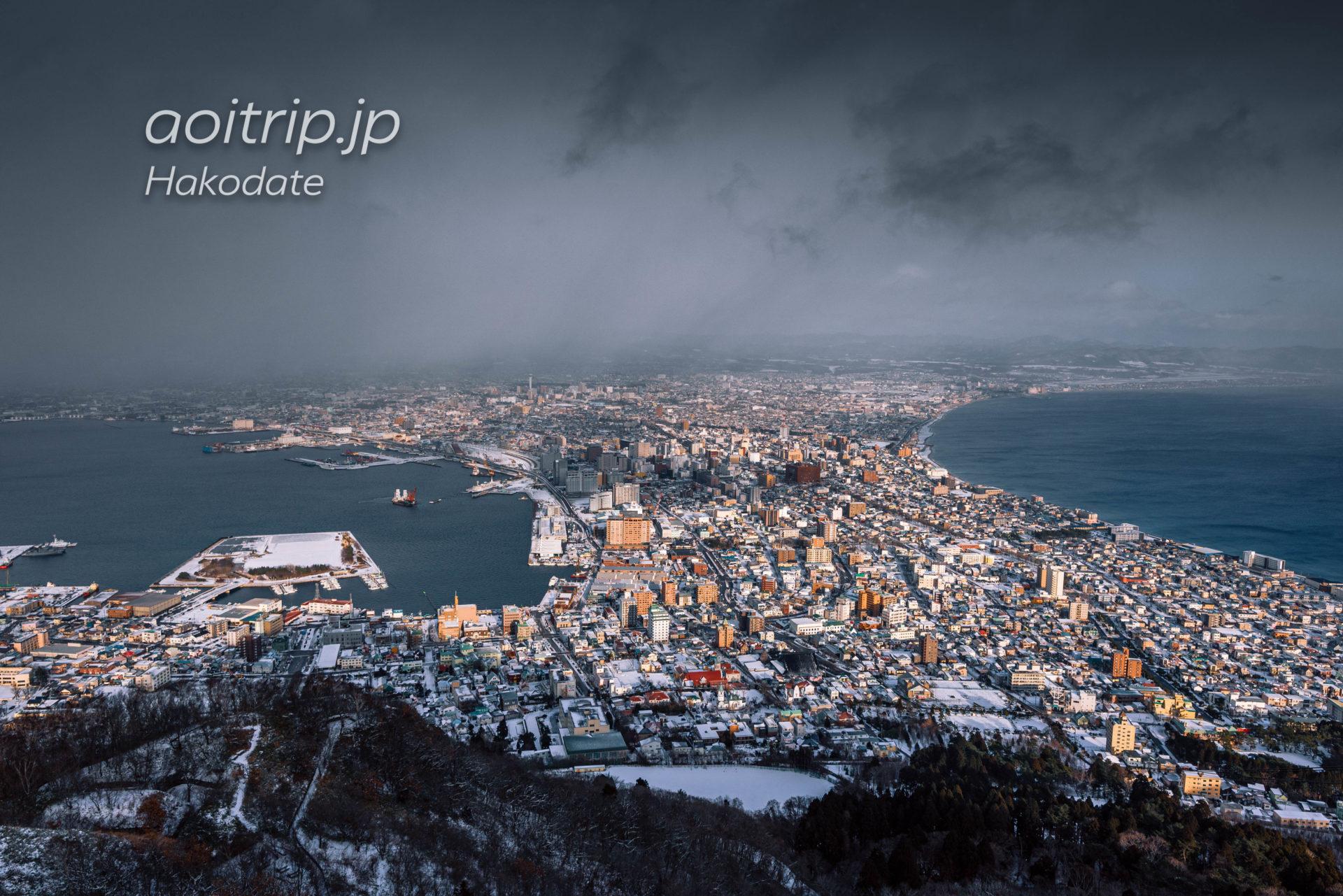 冬の函館山から望む函館市内の景色